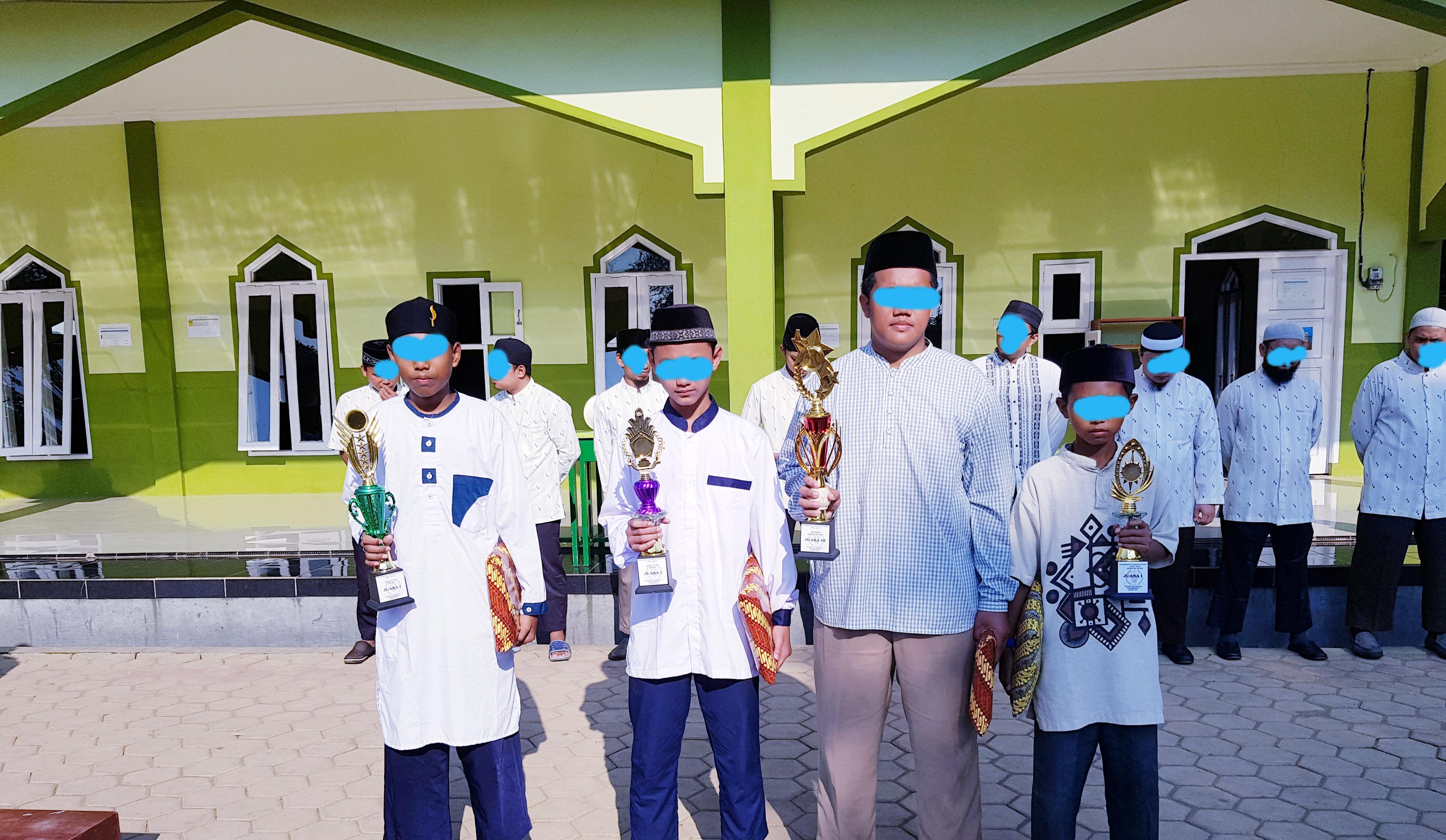 Alhamdulillah 8 Santri Rahmatika Al-Atsari Meraih Juara MTQ 2018 Kecamatan Sagalaherang